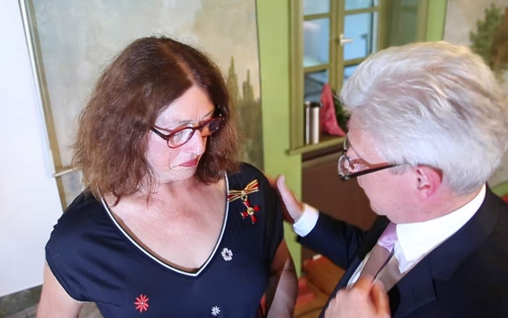 Monika Griefahn receives the Federal Order of Merit for (with Rainer Rempe) Photo: Frank Ossenbrink