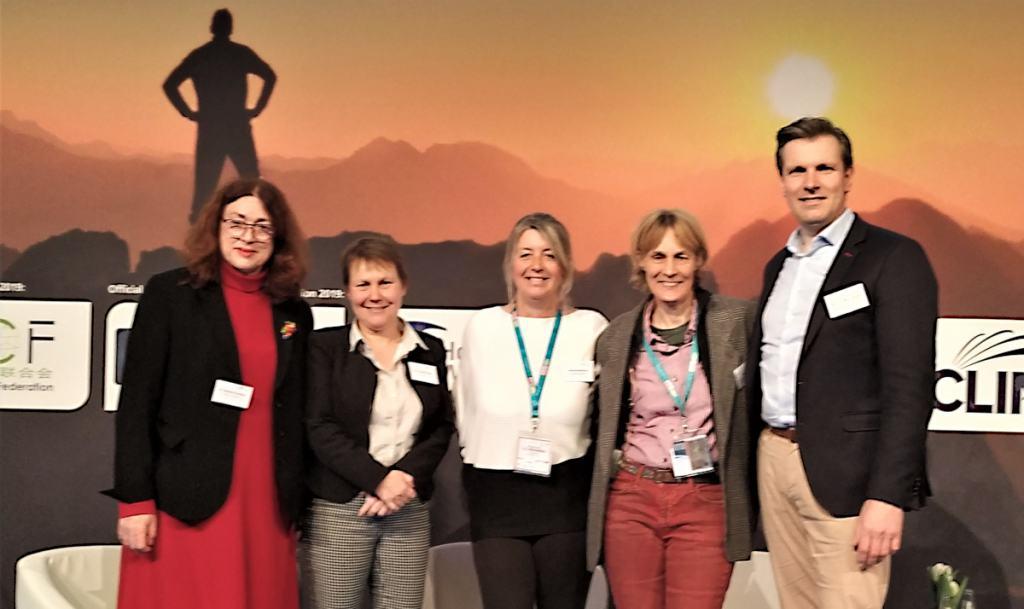 Gruppenbild mit Monika Griefahn, Frauke Fischer und Joanne Hendrickx