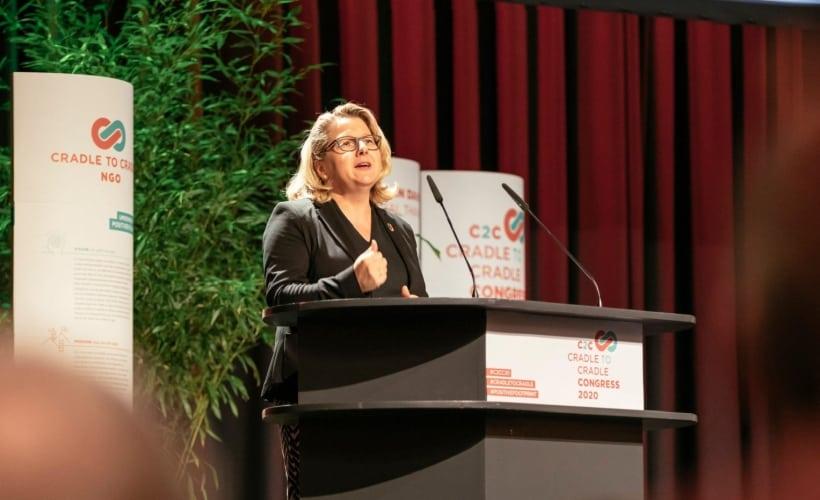 Bundesumweltministerin Svenja Schulze bei einer Rede auf dem C2C Congress.