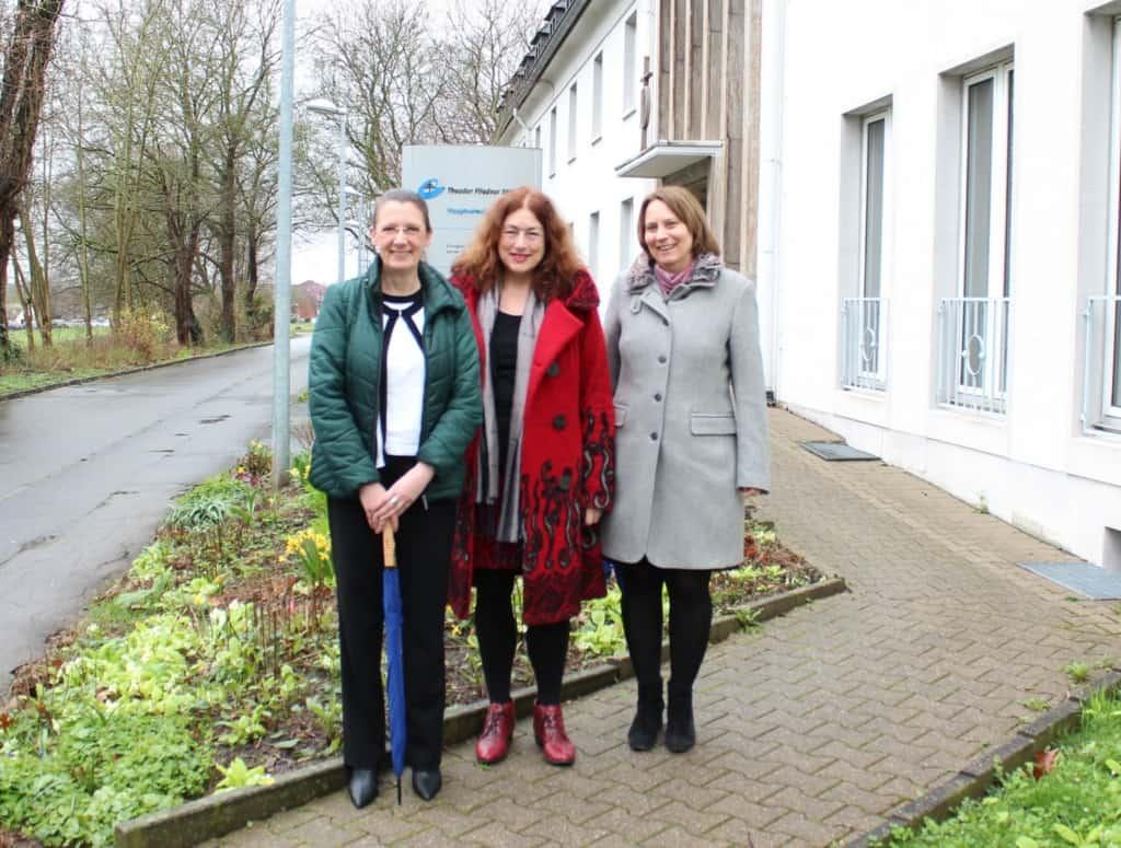 Besuch bei der Fliedner-Stiftung: Monika Griefahn mit Claudia Ott und Sabine Halften