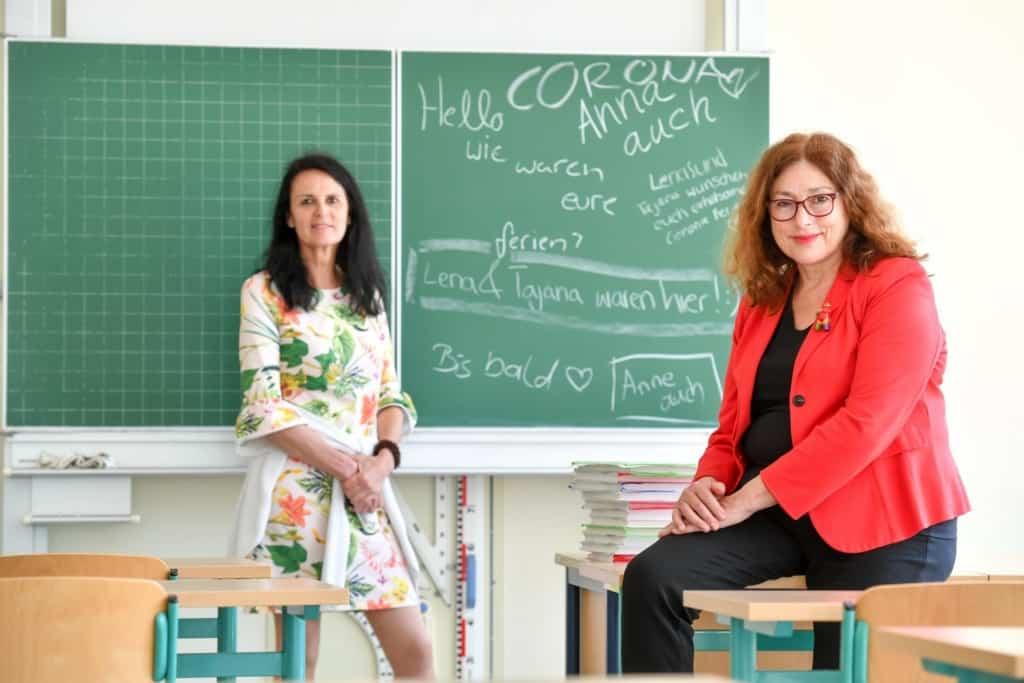 Monika Griefahn und Dr. Heike Quednau, Schulleiterin Luisenschule Mülheim an der Ruhr