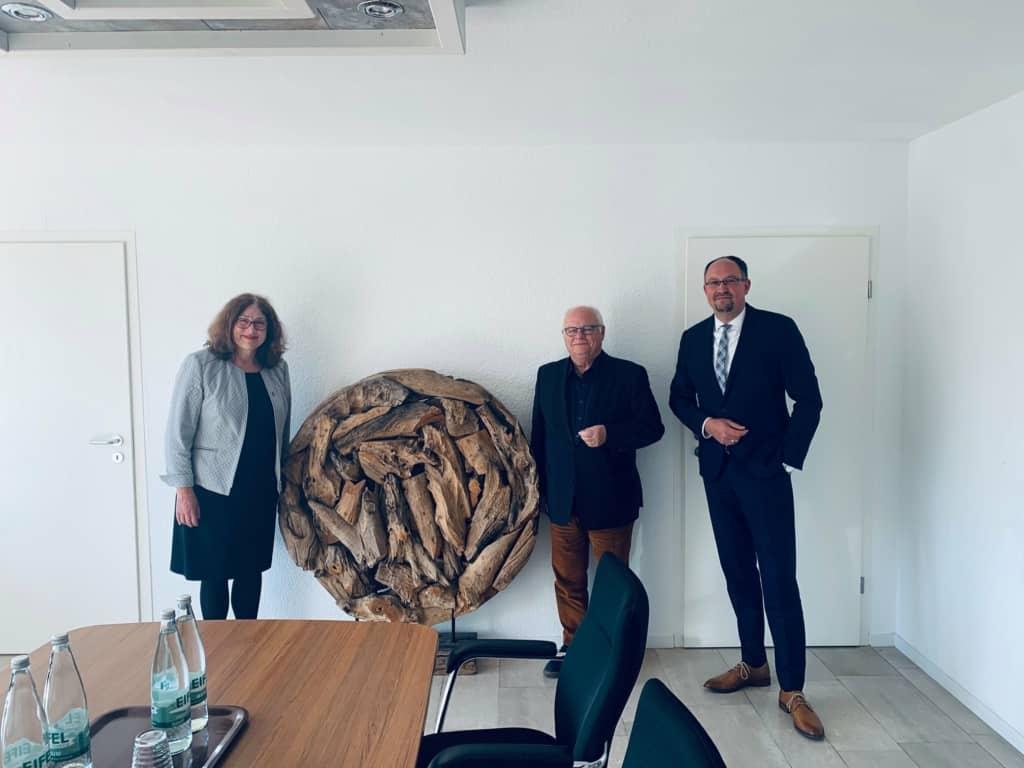 Monika Griefahn mit Herrn Wessel und Herrn Noje von Haus & Grund in Mülheim an der Ruhr