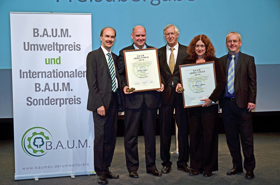 2014: Monika Griefahn and Michael Ungerer, CEO of AIDA Cruises, received the B.A.U.M. award for the environment.