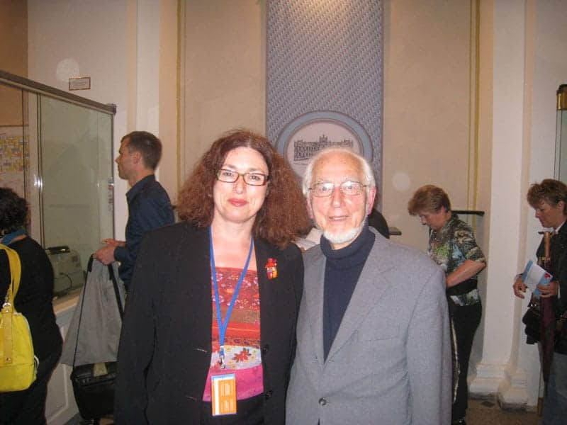 2010: Monika Griefahn is pleased to meet Erhard Eppler, social democrat and former Minister for development aid.