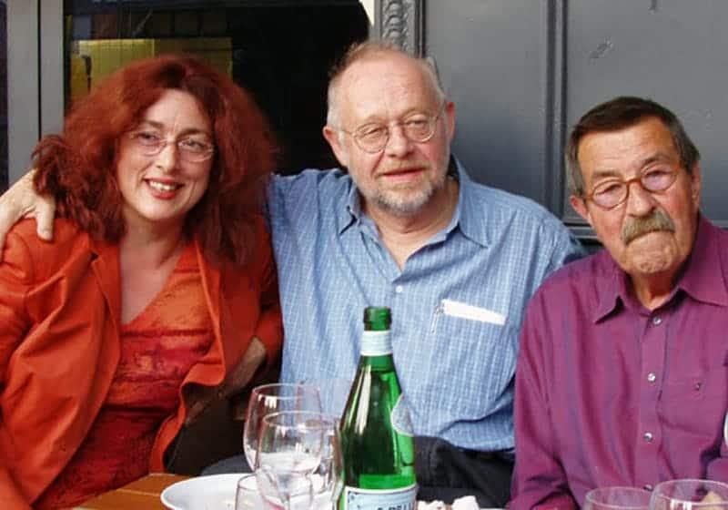 Circa 2003: Monika Griefahn mit Schriftsteller Günter Grass und Regisseur Jürgen Flimm.